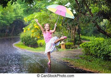 nyár, rain., játék, esernyő, kölyök