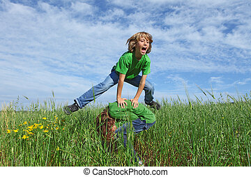 nyár ugrat, egészséges, bakugrás, szabadban, játék, boldog
