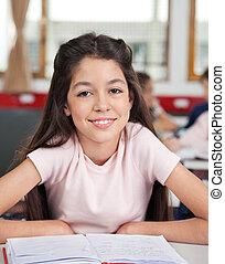 osztályterem, diáklány, íróasztal, ülés