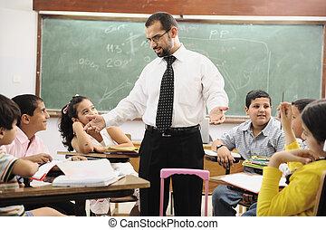 osztályterem, iskolások