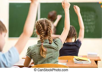 osztályterem, tanít feladat, gyerekek