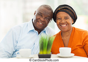 otthon, csinos, párosít, idősebb ember, afrikai
