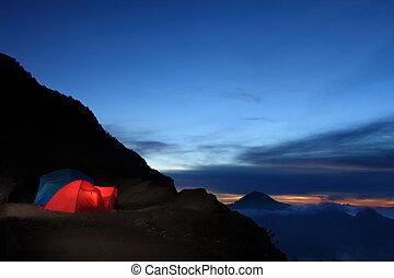 outdoor kaland, kempingezés