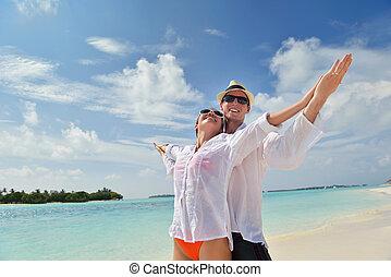 párosít, fiatal, szórakozik, tengerpart, boldog