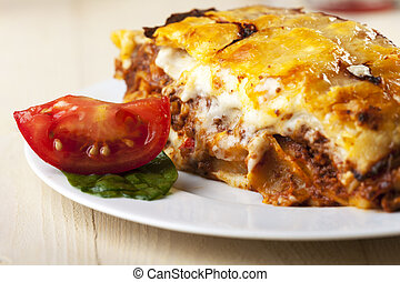paradicsom, lasagna, szelet, tányér
