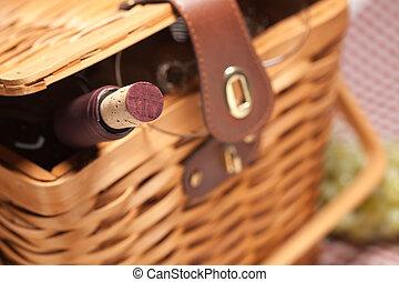 piknikel kosár, palack, szemüveg, üres, bor