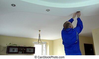 plafon, villanyszerelő, helyettesít, fény, folt, beiktató, lámpa, halogén, pasas, vagy