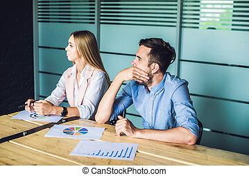 presentation., emberek, hord, ügy, unott, unalmas, látszó, kényelmes, asztal, együtt, fiatal, csoport, el, időz, furfangos, ülés