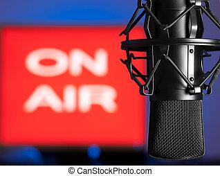rádióközvetítés