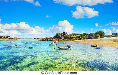 rózsaszínű, france., csónakázik, tengerpart, bay., tregastel, brittany, lesiklik, gránit