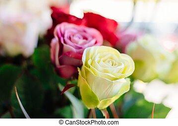 rózsaszín rózsa, mesterséges, sárga
