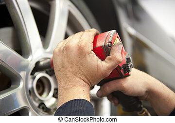 rendbehozás garázs, autószerelő, autó