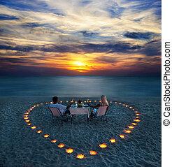 romantikus összekapcsol, rész, fiatal, vacsora, tengerpart