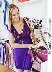 ruha, eldöntés, woman caucasian, fiatal