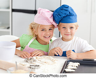 sülő, imádnivaló, portré, két gyerek, konyha