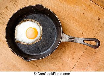 sült tojás, felül