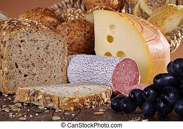 sajt, kolbász, bread