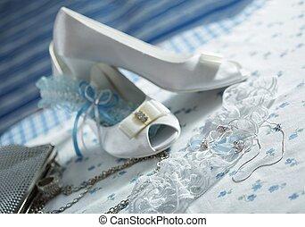 segédszervek, felruház, esküvő