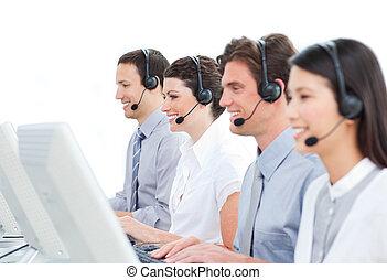 self-assured, középcsatár, dolgozó, hívás, ügynökök, vevőszolgálat