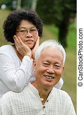 senior összekapcsol, külső, ázsiai, kínai