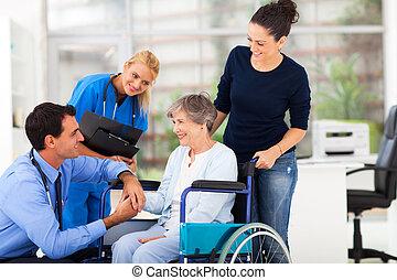 senior hím, türelmes, vigasztaló, orvos