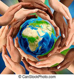 sok nemzetiségű, földdel feltölt földgolyó, mindenfelé, kézbesít