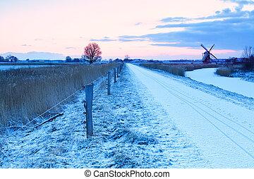 szélmalom, út, bringák, tél, hollandia