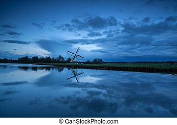 szélmalom, holland, folyó, szürkület