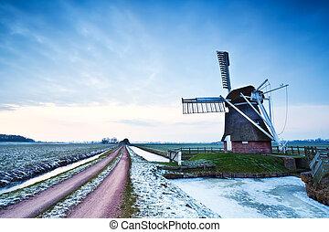 szélmalom, holland, szürkület