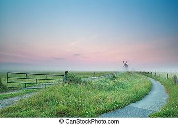 szélmalom, köd, bicikli, napkelte, út