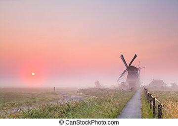 szélmalom, nap, köd, felkelés