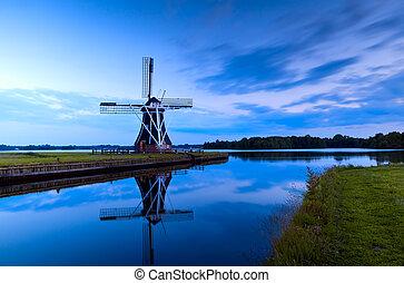 szélmalom, szürkület, groningen, holland