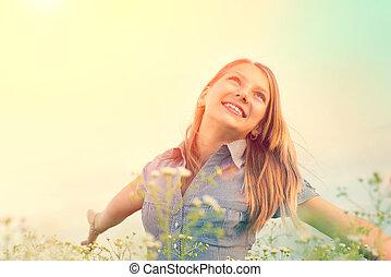 szabadban, eredet, élvez, leány, nature., birtoklás, mező, tizenéves, gyönyörű, móka, szépség