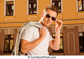 szemüveg, birtok, zakó, övé, ember, súlyos, farmernadrág, jelentékeny