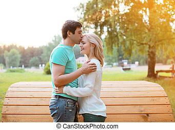 szeret, párosít, napos, érzések, szabadban, meleg, tender