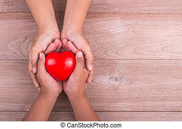 támogató, szöveg, asztal., barna, fiatal, celebration., gyerekek, nap, fogalom, piros, hely, neki, szeret, szabad kezezés, nő, anya, fából való, fog, szív, :, anyu