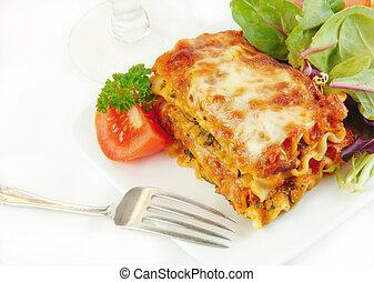 tányér, lasagna, saláta