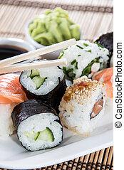 tányér, sushi