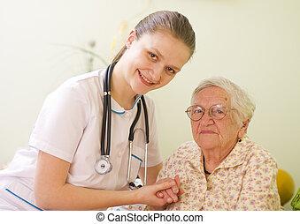 törődik, nő, beteg, neki, látogató, attitude., orvos, fiatal, /, öregedő, hatalom kezezés, ápoló