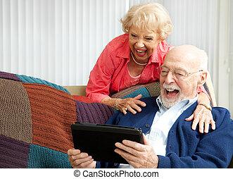 tabletta, párosít, -, számítógép, idősebb ember, nevető