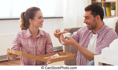 takeaway, otthon, eszik pizza, párosít