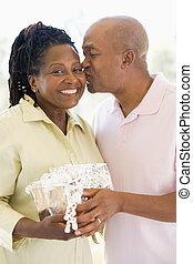 tehetség, feleség, birtok, csókolózás, mosolygós, férj