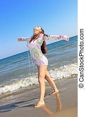 tengerpart., nő