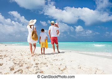 tengerpart szünidő, család