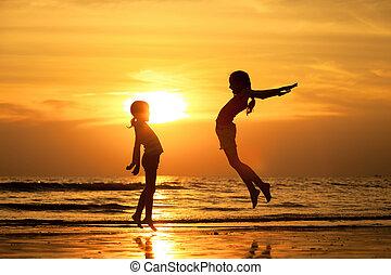 tengerpart, ugrás, lány, boldog