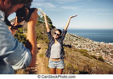 természetjárás, mozi, bevétel, fiatal, időz, párosít, boldog