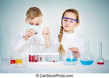 tudósok, gyerekek