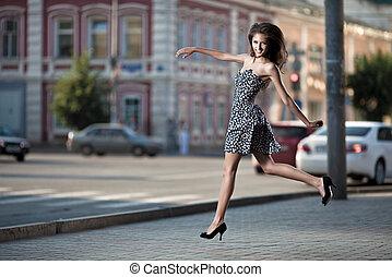 ugrás, nő, gondtalan, utca, fiatal, város