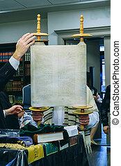 ultra-orthodox, shacharit, tart, zsidó, tóra, reggel, imádkozik, emelések, könyörgés, csoport, rész, ember, felcsavar, ő