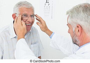 után, orvos, szemüveg, látomás, ember, teszt, bevétel, fárasztó